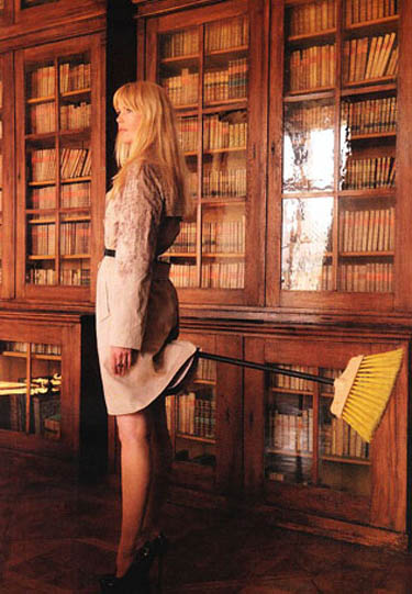 Claudia Schiffer palo de escoba